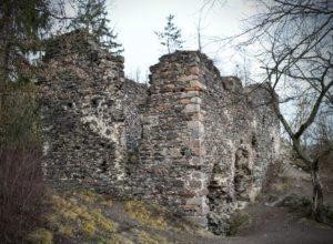 Zřícenina hradu Zbořený Kostelec